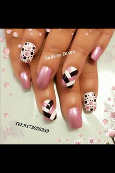 POLKA DOT nails, nail art! How cute with pink and black polish | unas | short gel and acrylic nail ideas
