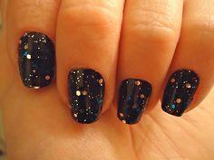 Great Black Winter Glitter Nail Designs