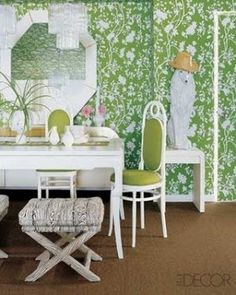 A Divine Dining Room. Vintage mirror, X-base stools, and Thonet chairs in the dining area of a Palm Beach condo; the floral wallpaper is from Bob Collins & Sons. Palm Beach Decor, Beach Chic Decor, Green Dining Room, Green Rooms, Elle Decor, Eclectic Modern, Green Wallpaper, Room Wallpaper, Wall Patterns