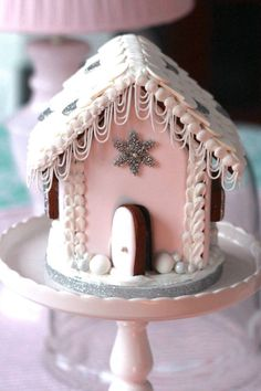 pink gingerbread house, gingerbread houses, pink christmas decor, pink and silver holiday decor Christmas Gingerbread House, Christmas Sweets, Noel Christmas, Pink Christmas, Christmas Goodies, Gingerbread Man, Christmas Baking, Xmas, Gingerbread House Template