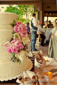 Ericka + Ryans Photo Studio, Valentines, Table Decorations, Cake, Desserts, Wedding, Food, Valentine's Day Diy, Tailgate Desserts