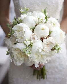 bridal bouquet idea; photo: Catherine Hall Studios
