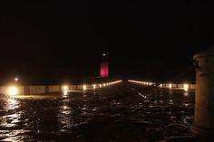 Esta noche la #TorredeHércules se iluminará de rosa en apoyo del Día del Orgullo LGTBI. 🏳️🌈 #Orgullo2017 #CoruñaOrgullosa #CoruñaDiversa #ViveATúaCor Lighthouse, Old Things, World, Pink, Towers, Night, Bell Rock Lighthouse, Light House, Lighthouses