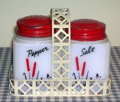 Love vintage salt and peppers-depression,
