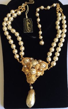 Exquisite Vintage Miriam Haskell Pendant Necklace~Pearls/Gilt Filigree~Signed…