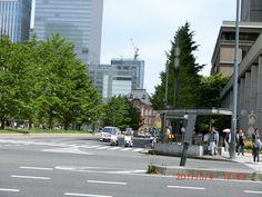 ちょっとだけ東京駅。昔東京ステーションホテルの窓をバイトで拭いたっけ。