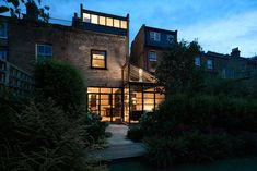 Blee Halligan Remodels a Private Residence in Highbury, London Glass Extension, Roof Extension, Extension Ideas, Terraced House, Victorian Terrace House, Victorian Homes, Edwardian House, Aluminium Windows And Doors, London House