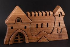 Puzzle castle toy for children and toddlers от HollossyWoodworks