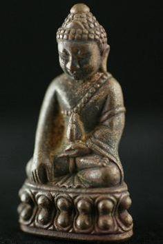 """Phra Kring Buddha Amulett das """"Glöckchenamulett"""" aus dem Amulett Lexikon von www.green-tara.de"""