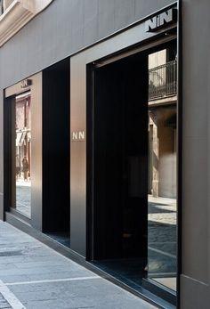 Another potential Techtron entrance Mall Facade, Shop Facade, Retail Facade, Retail Windows, Door Design, Entrance Design, Front Design, Facade Design, Retail Interior