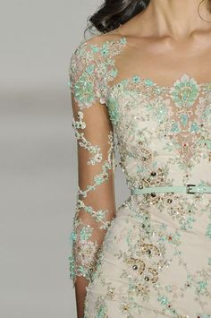 We love the mint details on this dress!