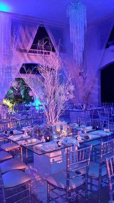sillas blancas o  plateadas #PandoraNovia y #PandoraRD