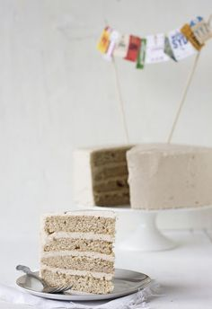 Snickerdoodle Cake With Brown Sugar Buttercream Frosting ....saving this for Troy's birthday!