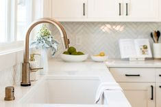 Technology is quickly becoming a big part of all of our lives, and that includes the kitchen as well! Like we saw at KBIS this year, smart appliances continue t Small Kitchen Redo, Kitchen And Bath, Kitchen Colors, Kitchen Design, Farmhouse Faucet, Composite Sinks, Cool Kitchens, Colorful Kitchens, Kitchen Lighting Fixtures