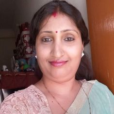 Beautiful Girl In India, Beautiful Women Over 40, Hot Images Of Actress, Indian Natural Beauty, Aunty In Saree, Sexy Wife, India Beauty, Woman Face, Beauty Women