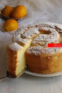 Chiffon cake al limone Torta Chiffon, Lemon Chiffon Cake, Sweet Recipes, Cake Recipes, Dessert Recipes, Cupcakes, Cake Cookies, American Cake, Italian Cake