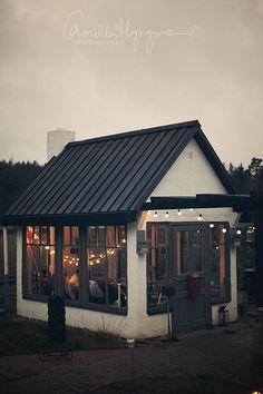 Backyard cottage: I Lilla Kamomillas Villa ~ Great pin! For Oahu architectural design visit http://ownerbuiltdesign.com