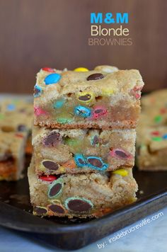 MM Blonde Brownies  - easy and delicious blonde brownies filled with lots of MM candies