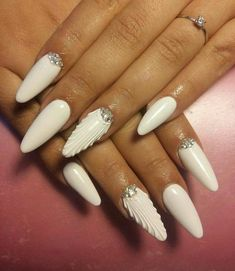 "Beautiful Nails in the Style ""Wave"" Trend of 2018 Nail Designs Spring, Cute Nail Designs, Perfect Nails, Gorgeous Nails, Posh Nails, The Art Of Nails, Silver Nail Art, Simple Nails, White Nails"