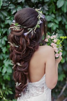 Llong wedding hairstyles and wedding updos from Websalon Weddings 73 - Deer Pearl Flowers / http://www.deerpearlflowers.com/wedding-hairstyle-inspiration/llong-wedding-hairstyles-and-wedding-updos-from-websalon-weddings-73/