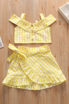 Baby Girl Frocks, Frocks For Girls, Little Girl Outfits, Kids Outfits Girls, Toddler Girl Dresses, Little Girl Summer Dresses, Cute Baby Dresses, Girls Dresses Sewing, Baby Girl Dress Design