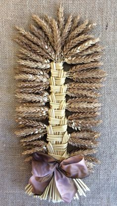 Mariée de la Moisson - Bride of the corn - harvest decoration - French - French gifts - Corn dolly Straw Weaving, Weaving Art, Fall Crafts, Diy And Crafts, Arts And Crafts, Harvest Decorations, Seasonal Decor, Corn Husk Wreath, Seed Craft