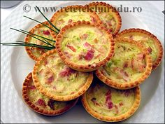 Leak & bacon tartlets Romanian Food, French Food, Bacon, Muffin, Good Food, Breakfast, Food Photography, Recipes, Fine Dining