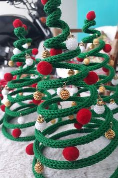 Wire Crafts, Christmas Projects, Diy Crafts To Sell, Christmas Crafts, Christmas Ornaments, Christmas Crochet Patterns, Christmas Knitting, Christmas Makes, Christmas Diy