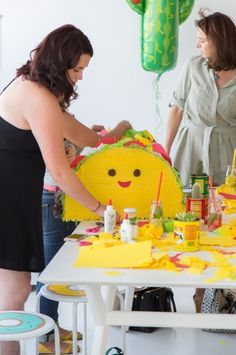 Taco Piñata Workshop Recap ( A Giveaway! Fiesta Theme Party, Taco Party, Second Birthday Ideas, Twin Birthday, Dragons Love Tacos Party, Diy Piñata, Mexican Pinata, Mexico Party, First Birthdays
