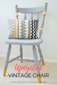 Upcycling ideas: chalk paint chair makeover - Girl about townhouse - Need some ideas for upcyling wooden chairs? Psst, over here – check out my step by step DIY! Refurbished Furniture, Upcycled Furniture, Furniture Makeover, Wooden Chair Makeover, Bedroom Furniture, Furniture Ideas, Retro Furniture, Dining Chair Makeover, Stool Makeover