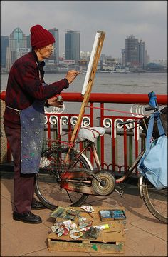 Painter from The Bund . Shanghai    In #China? Try www.importedFun.com for award winning #kid's #science  