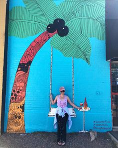 Kelsey Montague, who was made famous by Taylor Swift, has completed an interactive mural in Denver's RiNo district. Street Art Banksy, Graffiti Wall Art, Murals Street Art, Mural Wall Art, Street Wall Art, Best Street Art, Simple Wall Paintings, Wall Painting Decor, Faux Painting