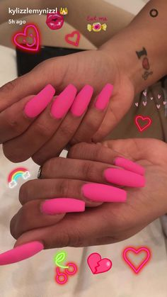 In seek out some nail designs and ideas for the nails? Here is our list of 26 must-try coffin acrylic nails for fashionable women. Hot Pink Nails, Pink Acrylic Nails, Matte Nails, Nails Polish, How To Do Nails, Fun Nails, Uñas Color Neon, Nagel Gel, Almond Nails