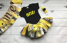 5 piece set: Happy Bee Day ONE Cake Smash Fabric Tutu Skirt Outfit Baby toddler first birthday Outfit Tutu Skirt bee day by SomethingFromSadie on Etsy 1st Birthday Party For Girls, First Birthday Outfits, Baby First Birthday, Birthday Party Themes, Birthday Ideas, Special Birthday, Birthday Diy, Birthday Photos, Fabric Tutu
