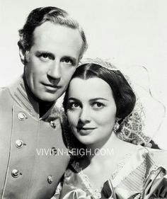 Leslie Howard and Olivia de Havilland