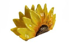 http://www.kitchendecorationidea.com/category/Napkin-Holder/ My sunflower napkin…