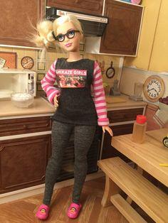 "Curvy Barbie = Cuteness / ""Down Time"" by Hippolyta-hero | Curvy Barbie pops some popcorn & settles for a box-set marathon | 12 April 2016"
