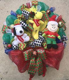 Peanuts: Charlie Brown, Snoopy & Woodstock Christmas Wreath. New. Musical