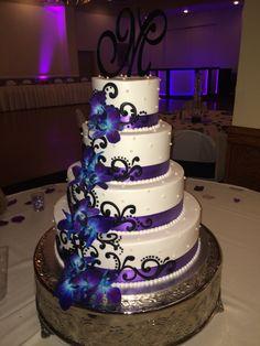 Blue Orchid Wedding, Purple Wedding Cakes, Cool Wedding Cakes, Elegant Wedding Cakes, Beautiful Wedding Cakes, Gorgeous Cakes, Wedding Cake Designs, Pretty Cakes, Amazing Cakes
