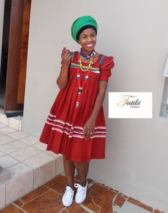 Yele/hele ya Sepedi by Fatiki designs - Sepedi traditional attire Source by aakekan - Venda Traditional Attire, Sotho Traditional Dresses, South African Traditional Dresses, Traditional Wedding Attire, Traditional Outfits, Best African Dresses, African Fashion Skirts, African Attire, Fashion Dresses