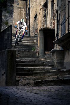 downhill biker by michael marte Mountian Bike, Great Pic, Ride Or Die, Pro Cycling, Bike Trails, Pedestrian, Extreme Sports, Bike Life, Mountain Biking