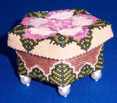 Beaded Trinket Box from Little Beaded Boxes by Julia S Pretl