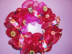 Deco Mesh Ribbon Wreath - DIY Instructional. How to use a wire wreath! Easy!