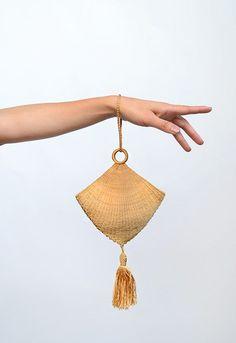 Tassel Purse: ca. Canadian silk thread tassel cloth lined. Tassel Purse: ca. Canadian silk thread tassel cloth lined. The post Tassel Purse: ca. Canadian silk thread tassel cloth lined. appeared first on Bag Diy. Vintage Purses, Vintage Bags, Vintage Handbags, Vintage Jewelry, Unique Purses, Cute Purses, Mode Crochet, Crochet Bags, Tassel Purse