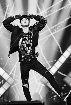 Sehun! This is an amazing pic, beyond words!