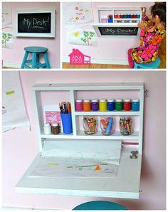 Her på bloggen Ana White har jeg lånt nogle skønne billeder af et lille krea-bord, der kan klappes op på væggen, så det bliver en tavle der kan skrives på. Sød idé – der også kan bruges af vo…
