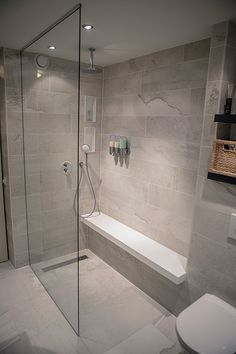 Badezimmer Dusche In De Eerste Kamer's bathrooms you will find shower cubicles, steam cubicles a Diy Bathroom Remodel, Shower Remodel, Bathroom Remodeling, Bathroom Makeovers, Remodeling Ideas, Handicap Bathroom, Tub Remodel, Restroom Remodel, House Remodeling
