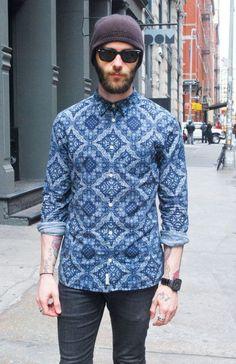 Busy Bodies: 22 Patterned Shirts to Wear Now Denim Shirt Men, Denim Top, Work Shirts, Printed Shirts, Tee Shirts, Casual Shirts For Men, Men Casual, Indigo Prints, Shirt Refashion