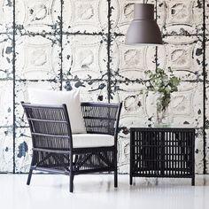 woven armchair #interiordesign #contractfurniture #wovenfurniture #natualfurniture #retail #b2bfurniture Bistro Interior, Coffee Shop, Armchair, Retail, Interiors, Throw Pillows, Bed, Home, Coffee Shops