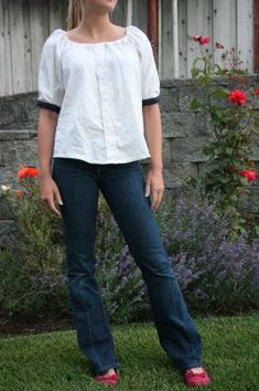 Made By Lex » Blog Archive » Peasant Blouse Refashion Tutorial  I gave this a shot last week, and discovered that you need to pay attention to hip room, first and foremost. Also, I found that I don't look good in unshaped tops that gather at the neck.